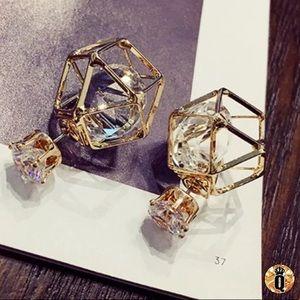 ⚜️[𝟯/$𝟮𝟴]⚜️Gold Crystal Geometric Earrings NEW